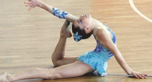 Strasatti, al via i corsi di twirling e ginnastica ritmica presso il palazzetto sportivo